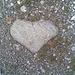 na, schon wieder ein Herzstein ;-) die liegen aber auch überall rum....