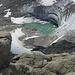 Das kleine Gletschermaul wird von der Sonne beschienen