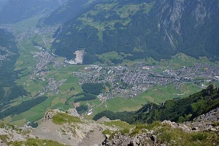 Glarus Nord und Glarus (Mitte).