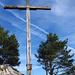 Holzkreuz mit Gipfelbuch auf dem Chrummhorn