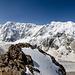 Panoramaansicht vom Pik Semonov aus. Rundblick mit Dykh-Tau und der gesamten Bezengi-Mauer.
