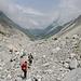 Das Ziel ist fast erreicht - die letzten Schuttmeter neben dem Gletscher.