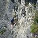 Kletterschuhe sind für den oberen Bereich angenehm, aber nicht zwingend erforderlich