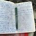 """Allerhand: """"es war nicht so streng"""" und das Wetter war """"olala"""" schreibt der 11-jährige Jan ins gut im Steinmanndli versteckte Gipfelbuch."""