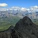 Blick vom Gipfel zu den höchsten Bündnern.