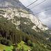 Ausgangspunkt, die ersten 400 Höhenmeter via Pfingsteggbahn. Der Hüttenweg beginnt bei der Bergstation und führt nach rechts…