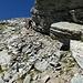 die Querung nach links unterhalb der Felskante
