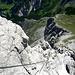 Die letzten Klettersteigmeter im Rück-/Tiefblick.