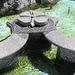 particolari in sasso della fontana