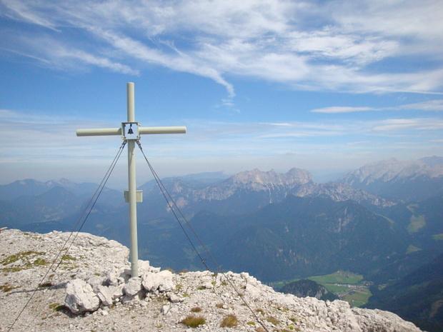 Gipfelkreuz Breithorn.<br />Wieso eigentlich eine Glocke?