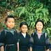 """Die Ureinwohner (hier noch Mädchen) von Sapa: Die """"Black Muong"""" werden, im Gegensatz zum übrigen Vietnam, von Frauen dominiert. Ein Matriarchat. Ferner rauchen die Erwachsenen mit einer Ausnahmebewilligung des Staat Opium."""