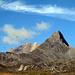 Im Aufstieg Richtung Pass Lunghin zeigt der Blick nach rechts den Piz Forcellina und den dahinter gelegenen Piz Turba (mit seinem hell leuchtenden Vorgipfel). Viele Vögel in der Luft - die haben sich wohl zum Frühstück auf der sumpfigen Ebene eingefunden.
