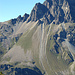 Blick hinüber zum Piz Lagrev mit seinen unglaublich langen Steinschlittelbahnen. Wo da die Direttissima ist, bleibt kein Geheimnis.