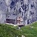 Die Hütte - und die Höchstspannungsleitung Breite - Tavanasa (die höchstgelegene und teuerste der Schweiz)