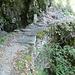sentiero del versante sinistro della Valle del Salto. Ponticello su barbacane