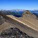La cresta via-via sempre più affilata verso la cima N