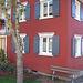 Un perfetto accostamento di colori su una casa di Riefensberg.