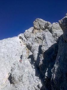 Ein Eindruck der Dimensionen: Bergsteiger/Berg