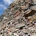 viel lockeres Gestein in der Südflanke der Larstigspitze