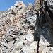Am Fleckistock-Südgrat. Nun folgt der schuttig-rutschige Aufstieg bis zum Gipfelkopf.
