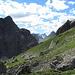 Blick vorbei am Gufelkopf zur Holzgauer Wetterspitze (ganz hinten)