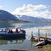 Mit neuen Gästen fährt das Boot zurück zu den Hütten von Alesjaure STF
