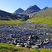 Die Wasserstelle von Nallo. Bei der Eisenstange muss der Hüttenwart im Winter immer ein Loch offenhalten, zwei bis drei Meter tief!