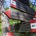 Segnaletica all'alpe Codelago, poco prima (o dopo) la diga grande sul lago. Da qui passa la via storica dell'Albrun che collega con la Binntal in Svizzera e consente traversate di grande fascino paesaggistico e storico.