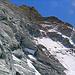 (5) Blick in die Galerien der Westwand - Loser Fels und Gebrösel beginnt.