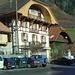 Hotel de la Berra (man beachte den Rütlischwur unter dem Dachfirst!)