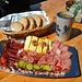 Alp Oberchäseren; das war unsere Hauptspeise, feines Fleisch-Chäs-Plättli