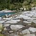 Suggestiva pietra che ricorda vagamente la neve sulla quale scorre il Reno di Sunvitg. Foto: Sofia Bulloni