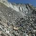 Mühsamer Blockschutt der Chilchweng. Unter den Blöcken teilweise noch Eisreste.