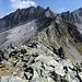 Mittaghorn-Südgrat vom Hammer aus gesehen. Rechts ist in der Flanke knapp der Aufstiegspfad erkennbar.