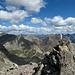 Der Steinmann am Gipfel des Corn Suvretta. Blick nach Osten.