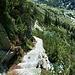 Scendendo dal Gelmersee il sentiero è costituito da tratti con scalini di massi