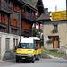 Am Ziel in Sobrio: Unser Postauto steht bereit, es reicht noch für ein Glace!