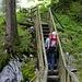 Kurzer Abstecher hinab zum Bestaunen des Pochtenfalls von oben von der Brücke aus...
