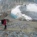 ... der Gletscher wird vom See nach rechts zum Furggji gequert oder Doris im Abstieg
