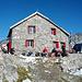 Cavardiras Hütte welche uns köstlich und überaus gastfreundlich bewirtete - EIN HERZLICHES DANKESCHÖN an die Crew!