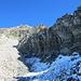 hier ist gut erkennbar, daß der Abstieg vom Grat Richtung Schwarzhorn allenfalls recht weit droben möglich gewesen wäre, sofern überhaupt