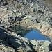 un piccolo piccolo laghetto sopra il Lago di Leit