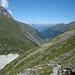 Blick zurück auf Zinal - unten am Ende der hellen Moräne die Cab. Petit Mountet