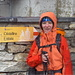 Vor dem Abstieg, es ist mega kalt, August, ich hab meine Handschuh nicht dabei und wir haben einen Mix zwischen Schnee und Regen