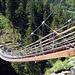 Traversinasteg, eine Hängebrücke über das Traversiner Tobel