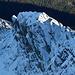 Schon Winter über dem Tal.<br />Die Felsen fallen nördlich der Ochsenbugleit´n ins Frosnitztal ab.