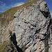 Mein Aufstieg Links vom Bild die Felswand hoch. Links halten. Rechts geht es mehrere Meter runter.
