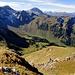 schöner Tief- und Ausblick vom Gipfel ...