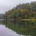 Ruhig liegt der Hechtsee da, darüber die Wolkensuppe<br />Mein erster See heute