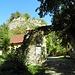 am Eingang zur Burgruine